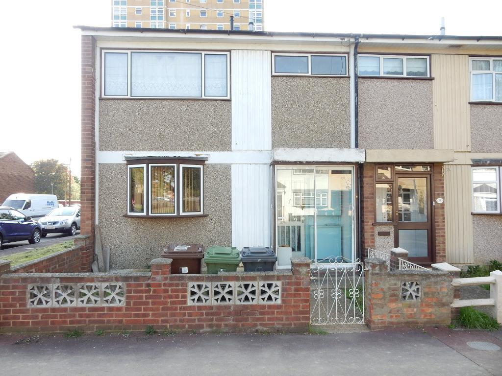 Bell Farm Avenue, Dagenham, Essex, RM10 7BA