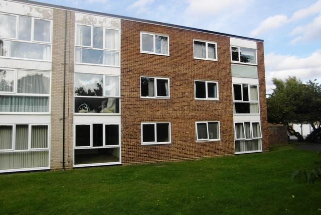 Chaplaincy Gardens, Hornchurch, Essex, RM11 3SH