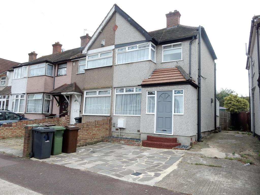 Oval Road North, Dagenham, Essex, RM10 9EL