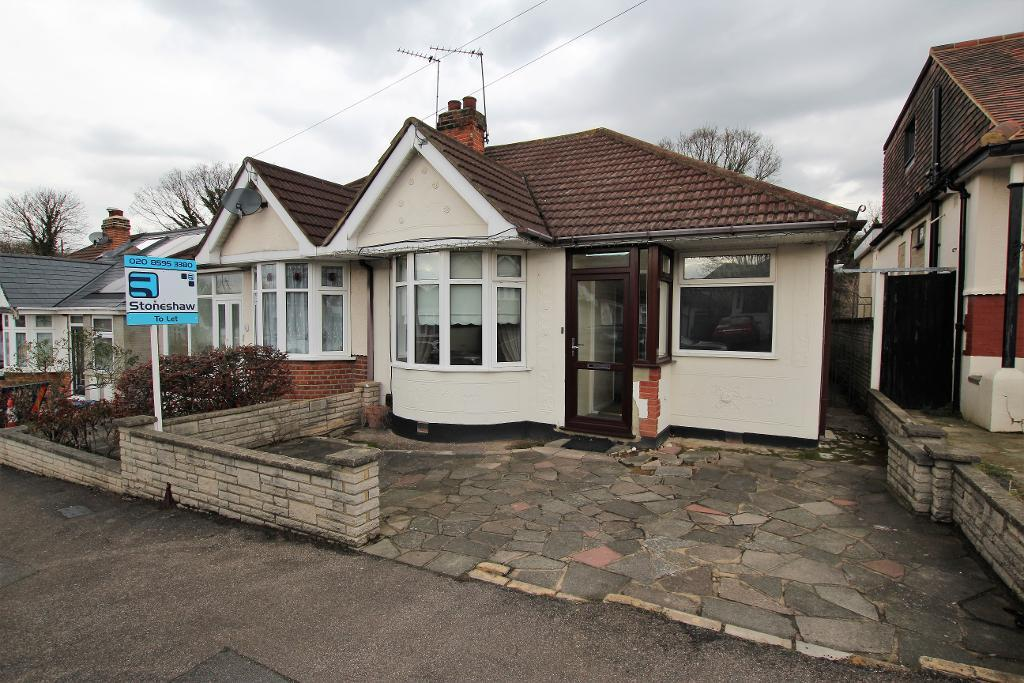 Hill Rise, Upminster, Essex, RM14 2RA