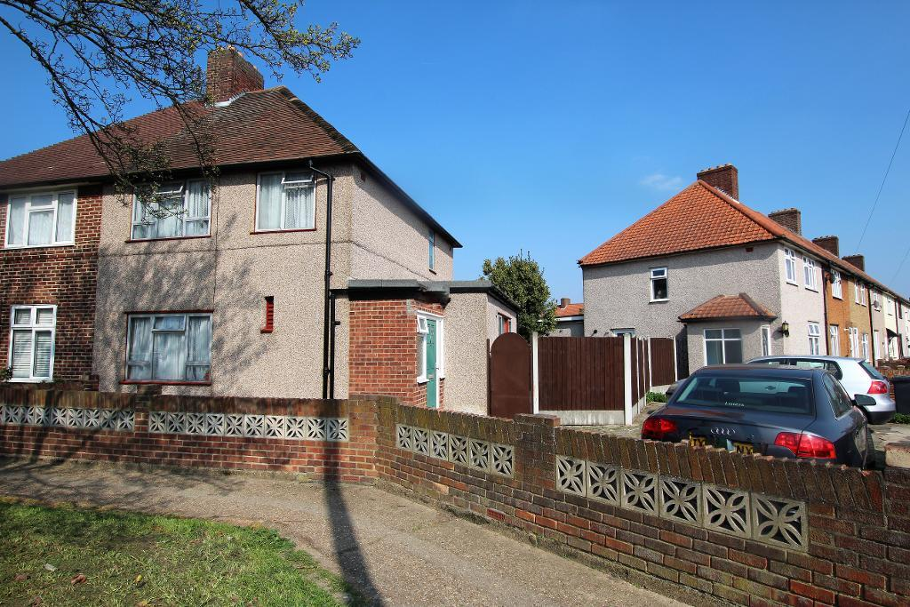 Valence Wood Road, Dagenham, Essex, RM8 3AD